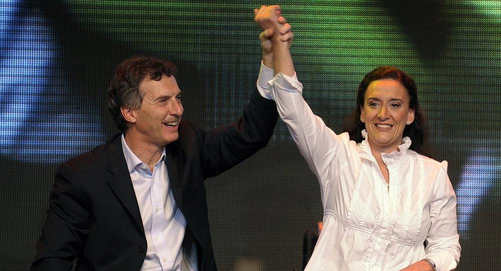 Líder de Propuesta Republicana, Mauricio Macri (izda.) y senadora Gabriela Michetti (archivo)