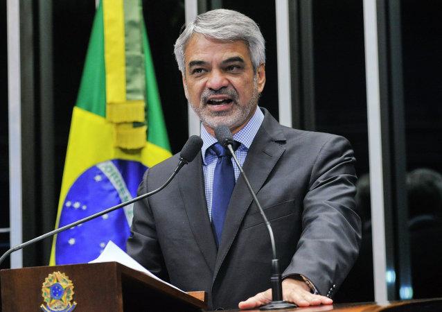 Humberto Costa, senador del Partido de los Trabajadores (PT) y suplente de la Comisión de Relaciones Exteriores del Senado Federal de Brasil