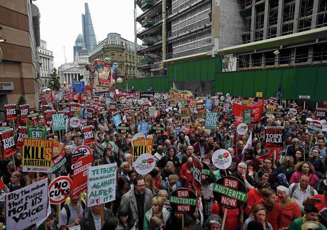 La protesta contra la política de austeridad del Gobierno de Reino Unido en Londres