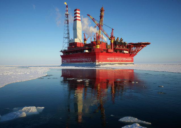 Resultado de imagen de plataforma marítima de extracción de gas Prirazlómnaya
