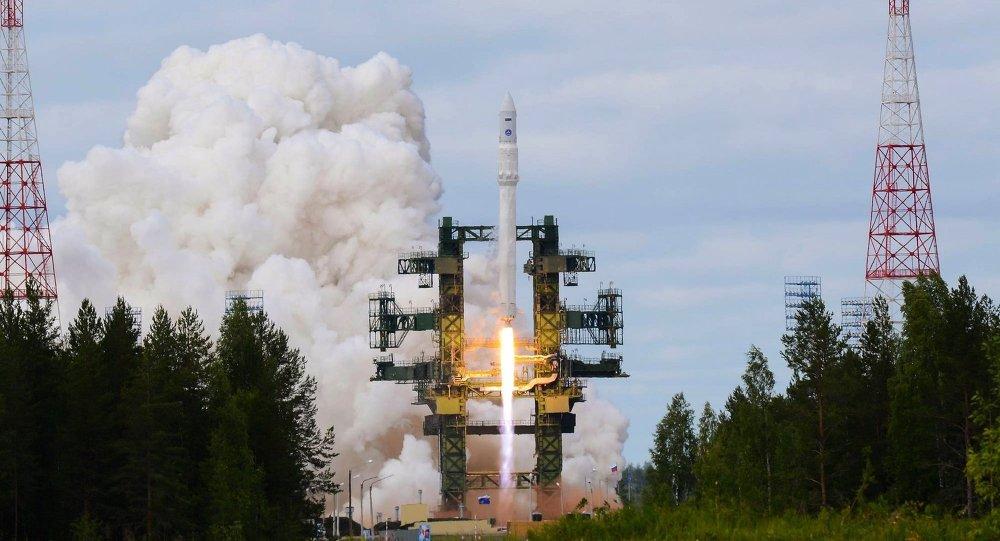 Lanzamiento de un cohete portador pesado Angará (imagen referencial)
