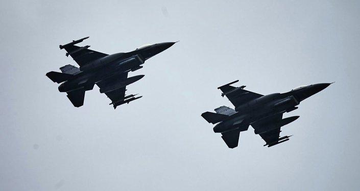 Polonia y EEUU firman un acuerdo sobre el suministro de misiles de crucero