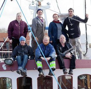 Tripulación de la Flotilla de la Libertad III