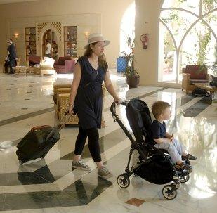 Turistas abandonan hotel Imperial Marhaba