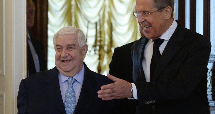 Ministro de Asuntos Exteriores de Siria, Walid Muallem y ministro de Asuntos Exteriores de Rusia, Serguéi Lavrov