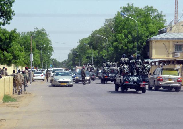 Policia del ejército de República de Chad en el lugar del doble atentado del 15 de junio en Yamena (Archivo)