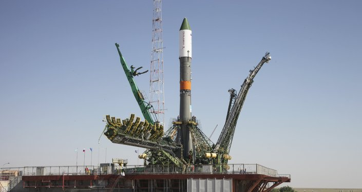 Cohete Progress-M esta lanzado desde el cosmódromo de Baikonur en Kazajistán, el 1 de julio, 2015