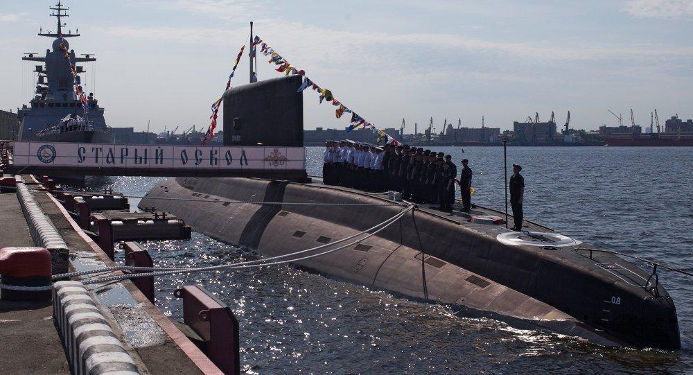 Submarino Stari Oskol en San Petersburgo