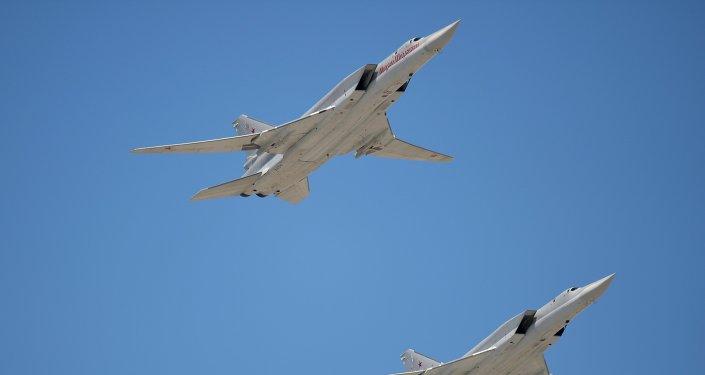 Bombarderos estratégicos rusos Tu-22M3 (archivo)