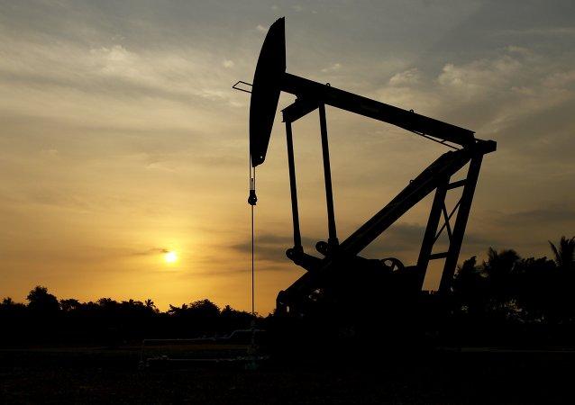 Libia asegura que sus yacimientos de petróleo están bien protegidos