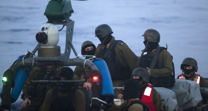 Militares israelíes durante el ataque a la Flotilla de Gaza