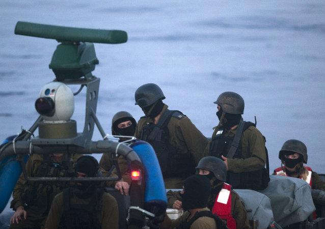Militares israelíes durante el ataque a la Flotilla de Gaza (archivo)