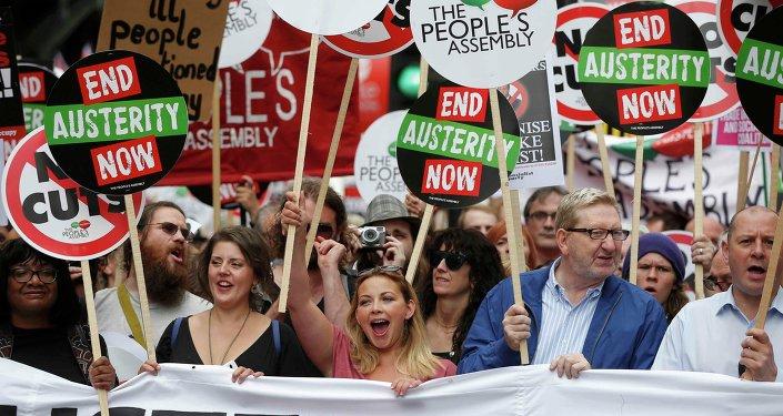 Protesta en contra de austeridad en Londres, Gran Bretaña, el 20 de junio, 2015