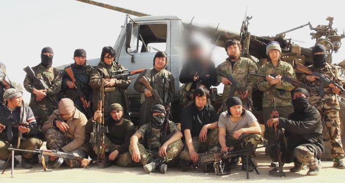 Militantes kazajos del Estado Islámico