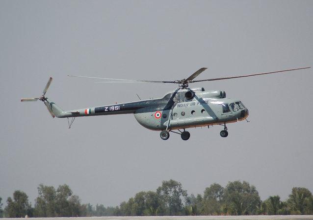 Helicóptero Mi-8 de Fuerzas Aéreas de India (archivo)