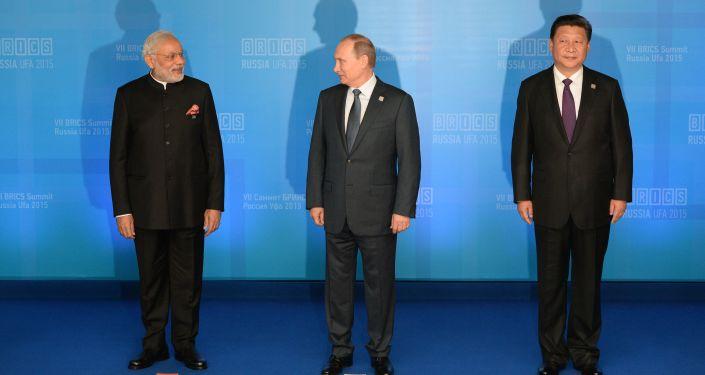 Primer ministro de la India, Narendra Modi, presidente de China, Xi Jiping y presidente de Rusia, Vladímir Putin (archivo)
