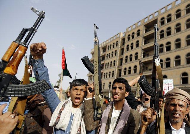 Los hutíes rechazan condiciones de Hadi para iniciar armisticio en Yemen