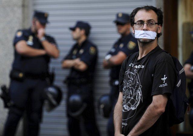 """Ley mordaza"" española debe poner en alerta a América Latina, dice periodista mexicana"