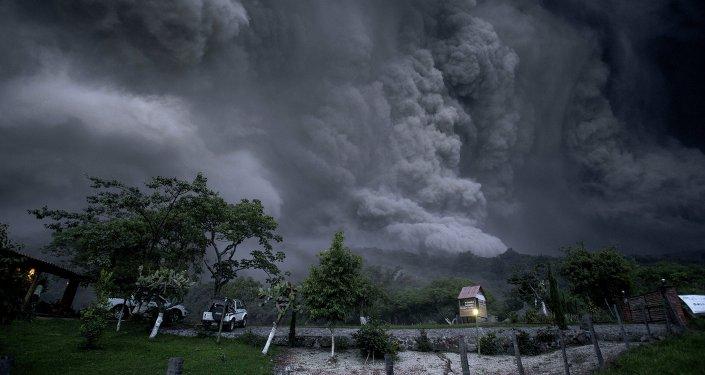 Erupción del Volcán de Colima