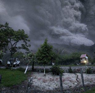 Erupción del Volcán de Colima (archivo)
