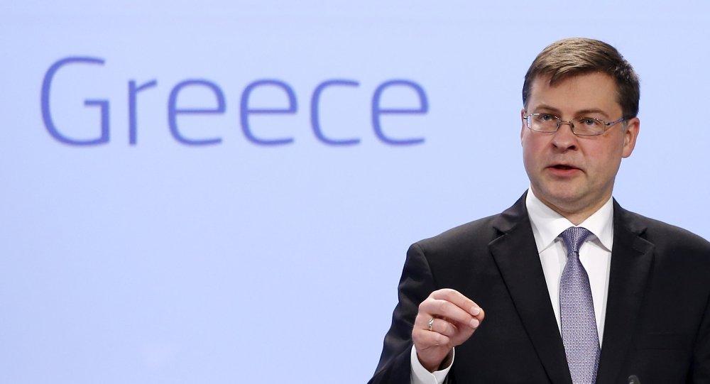 Valdis Dombrovskis, vicepresidente de la Comisión Europea, en Bruselas, Bélgica, el 15 de julio, 2015