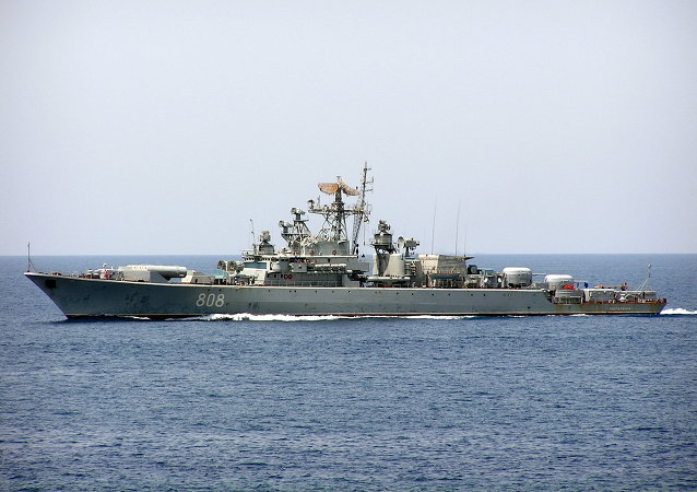 Krivak russian frigate Pytlivij in Red Sea