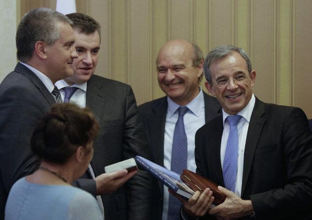 Delegación parlamentaria francesa visita a Crimea