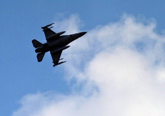 Avión de combate turco (imagen referencial)