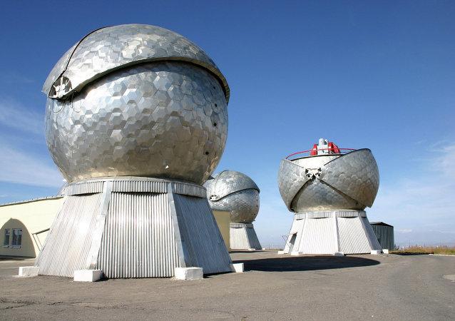 El sistema óptico-electrónico de detección de objetos espaciales Okno-M