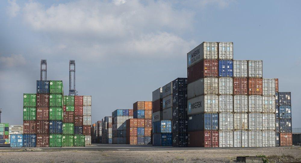Contenedores de importación y exportación
