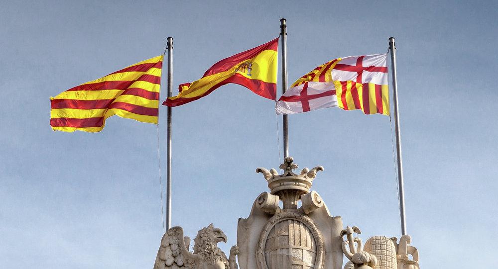 Banderas de España y Cataluña en Barcelona