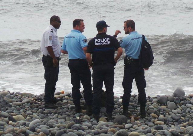 La búsqueda de los restos del Boeing 777-200 de Malaysia Airlines en la isla de La Reunión