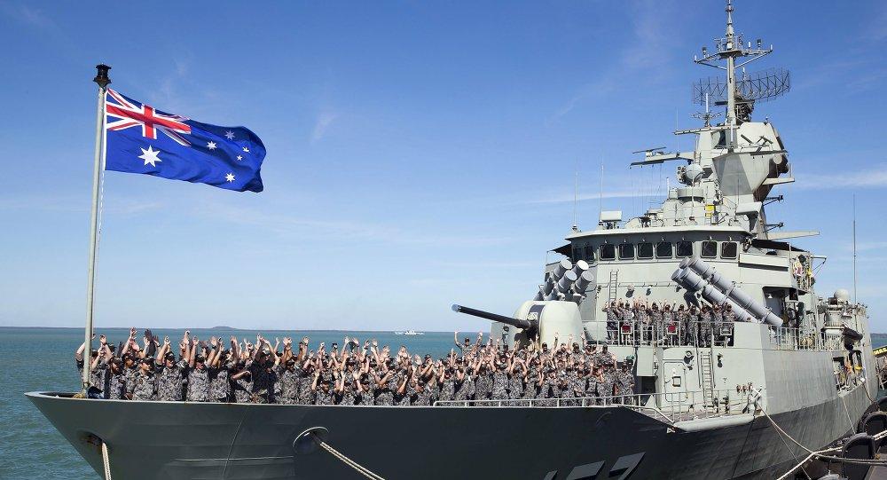 Buque HMAS Perth de Armada Real Australiana