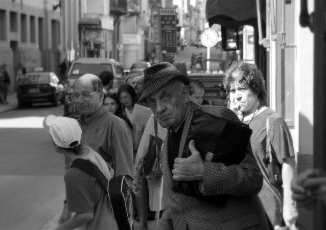 """Crece malestar de jubilados de Uruguay por pensiones """"indecorosas"""""""