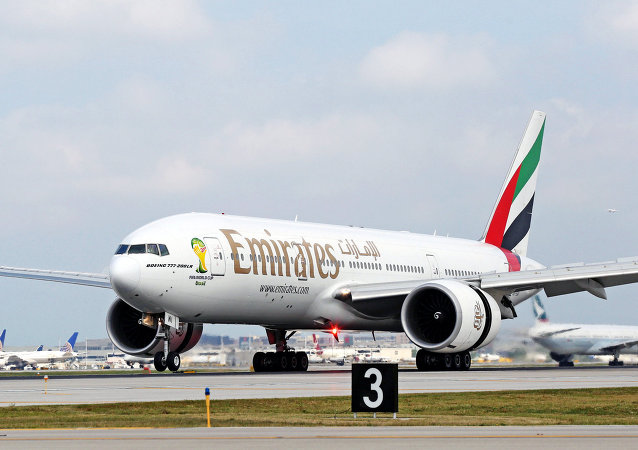 Boeing 777-200LR de Emirates Airlines aterriza en Chicago (archivo)