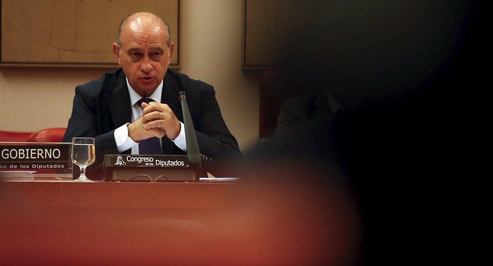 Congreso espa ol investigar al ministro de interior por for Ministro del interior espanol