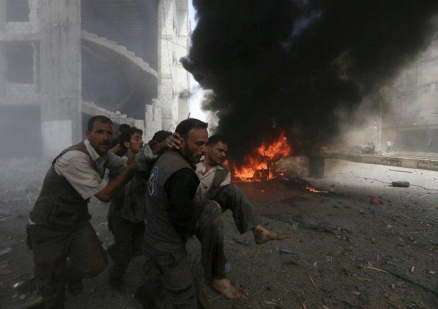 Ataques aéreos de las fuerzas gubernamentales de Siria en la ciudad de Duma