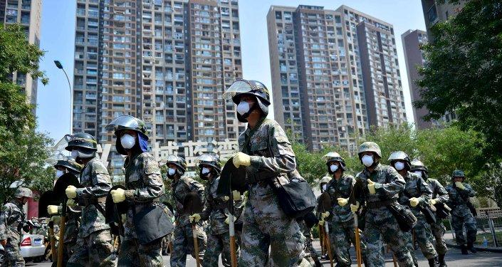 Soldados chinos en Tianjin, China