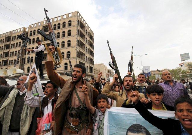 Hutíes en Sanaa, Yemen (archivo)