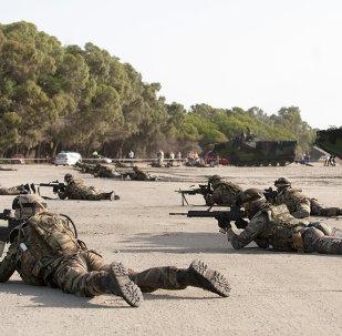 Militares españoles durante ejercicios (archivo)