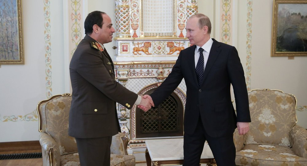 Presidente de Egipto, Abdelfatah al Sisi y presidente de Rusia, Vladímir Putin (Archivo)