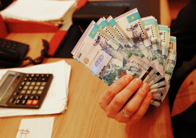 Tengue, moneda de Kazajistán