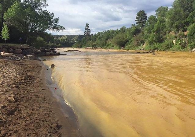 El río Animas en Colorado, cerca de la Mina Gold King