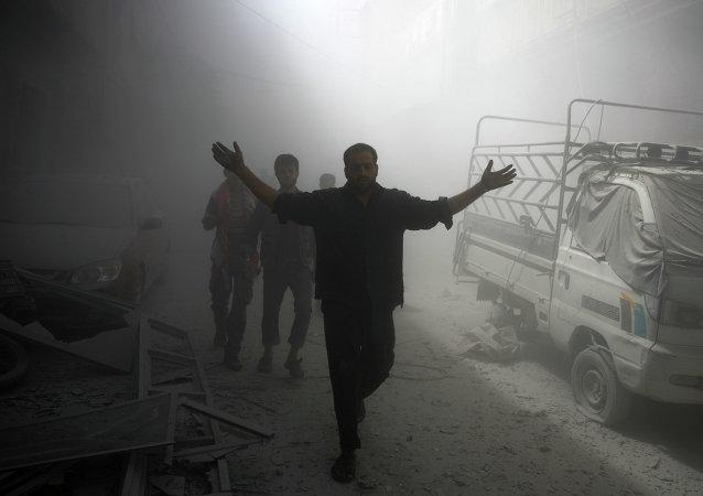 Al menos 50 muertos por bombardeo en las afueras de Damasco