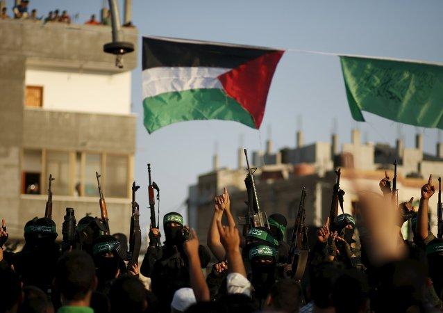 Militantes de Hamás participan en un desfile militar en la Franja de Gaza (archivo)