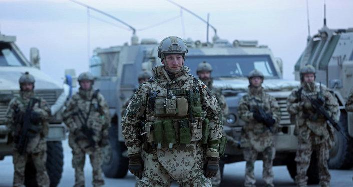 Los soldados de la OTAN (archivo)