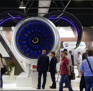 Visitantes en el pabellón del Salón Aeroespacial MAKS 2015