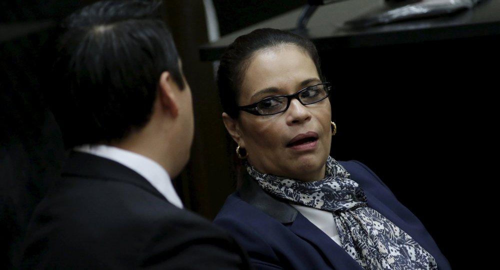 Ex vicepresidenta de Guatemala Roxana Baldetti con su abogado