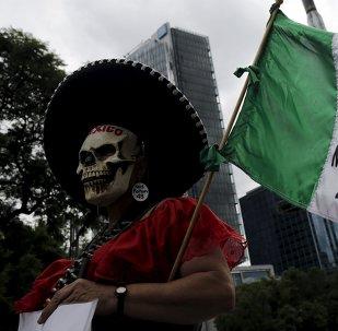 Una protesta en México a 11 meses de la desaparición de 43 estudiantes de Ayotzinapa. 26 de agosto de 2015