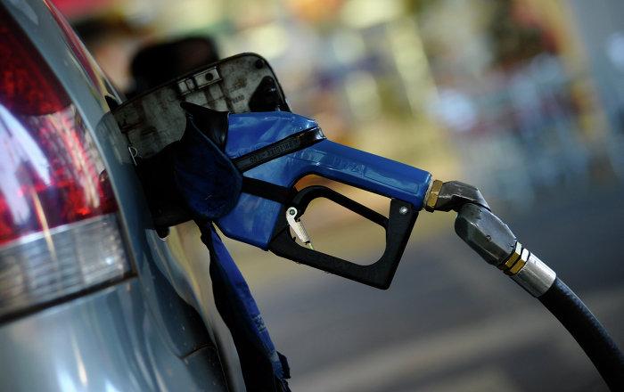 Precios de combustible en Ecuador vuelven a niveles previos a decreto que eliminó subsidio